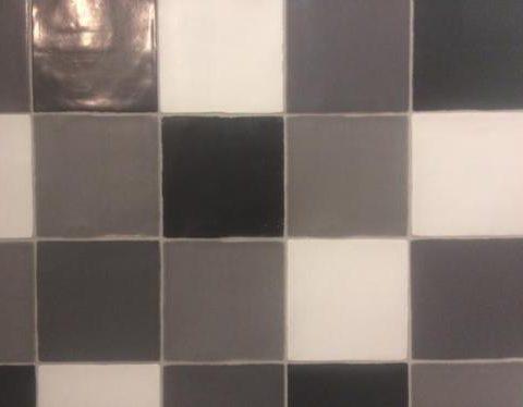 Nanda-cementum-black-Vlagsma-tegelwalhalla