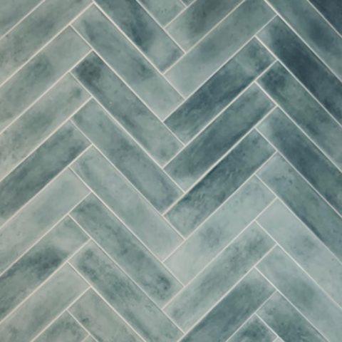 Handvorm tegels-turqoise-cifre opal-Vlagsma tegelwalhalla-9
