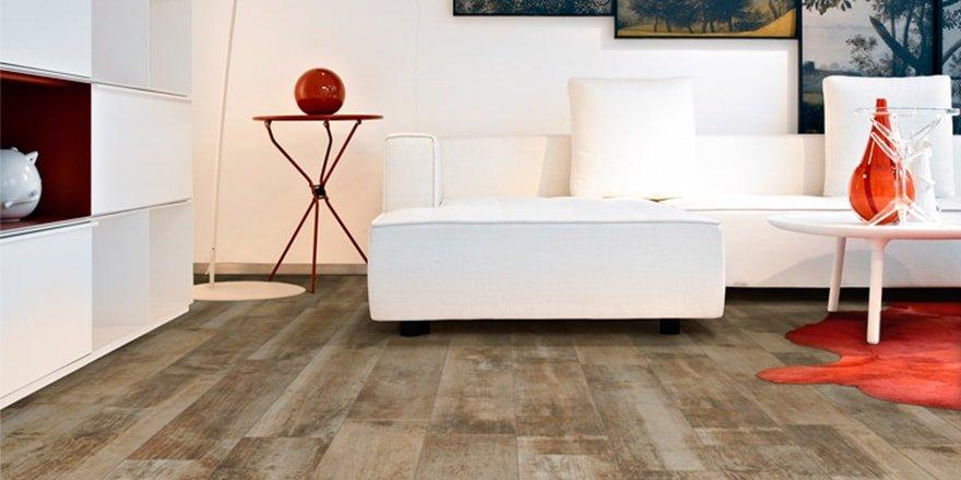 keramische vloertegels met houtlook
